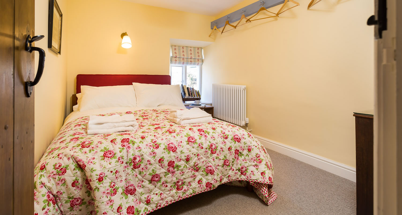cottagebedroom2